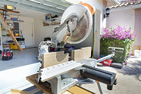 The 7 Best Miter Saws To Buy In 2018