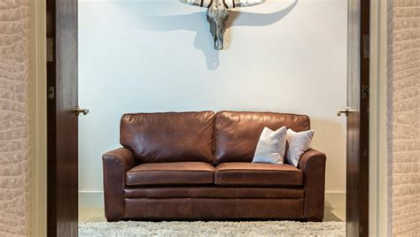 what colour goes with tan sofa what colour carpet goes with a brown leather sofa