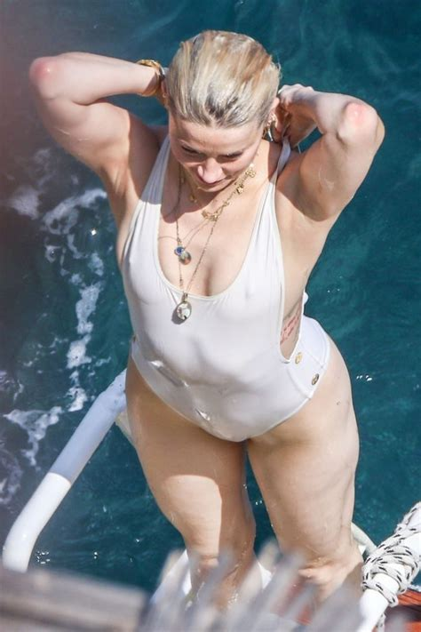 Amber Heard The Fappening Nude 53 Leaked Photos The