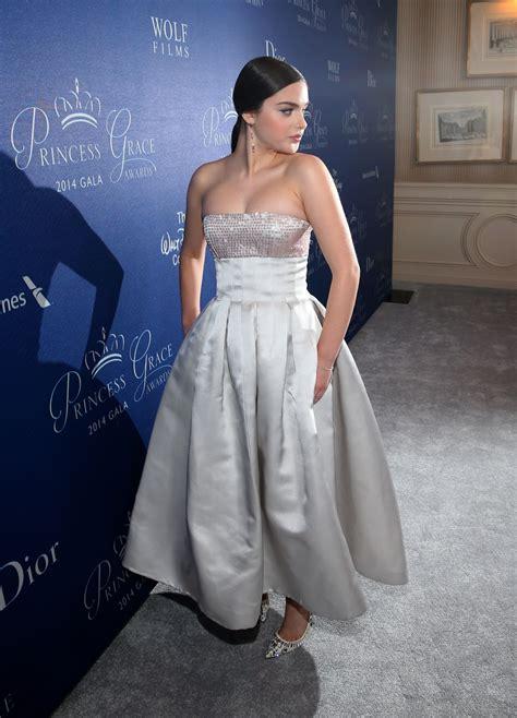 odeya rush red carpet odeya rush 2014 princess grace awards gala in beverly hills