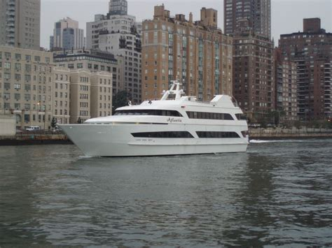 Boat Rental With Captain Nyc by Atlantis Boat Caliber Yacht Charter Prestige Rental Ny
