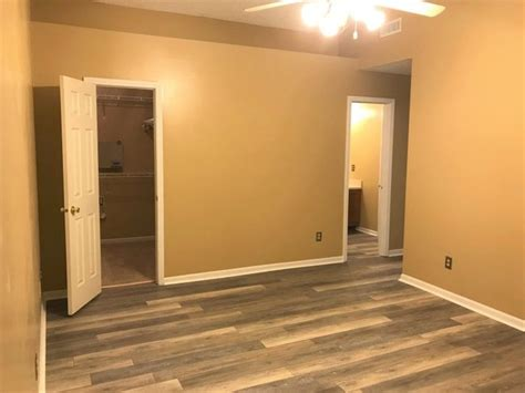 Condo With Garage For Rent by Gorgeous 2 Story Condo With Attached Garage Townhouse