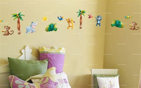 frise adhésive chambre bébé tendance chambre enfant des objets de d coration chambre