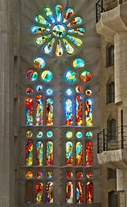 Sagrada Família. [EN] Stained Glasses. [CA] Vitralls. [ES ...