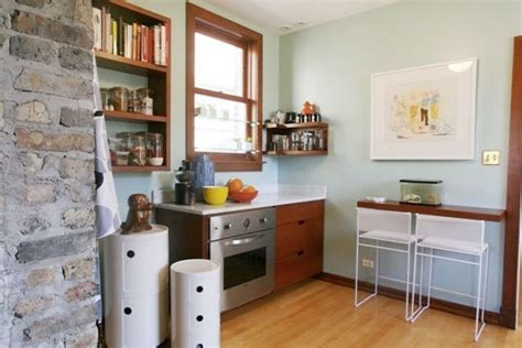 Small kitchens with breakfast bars