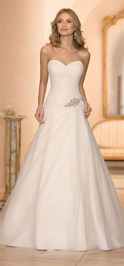 20 Elegant Simple Wedding Dresses Of 2015  Bridaltweet. Country Bridesmaid Dresses For Sale. Simple Wedding Dresses Etsy. Wedding Gowns By Oscar De La Renta. Bohemian Wedding Dress On A Budget. Beach Wedding Dresses Victoria Bc. Cheap Wedding Dresses Kansas City. Pink Wedding Dress The Knot. Rockabilly Wedding Dresses Plus Size