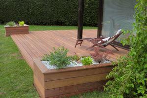 terrasse bois jardiniere
