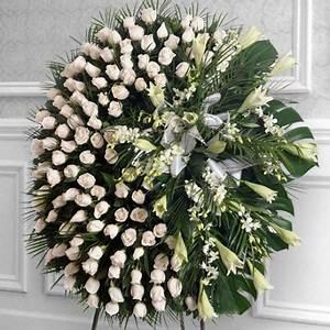 couronne de fleurs avec petit cadeau sanchoflor sl With tapis chambre bébé avec couronne de fleur funeraire