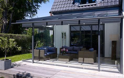 Glashaus Light  Glas Schiebetüren Terrassenüberdachung