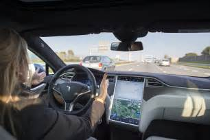 tesla autopilot stops uber drivers car crash  video