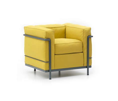 canap cassina lc2 de cassina fauteuil canapé 0ttoman villa