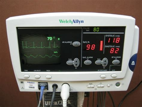 Used WELCH ALLYN 6200 Series Bedside Monitor For Sale