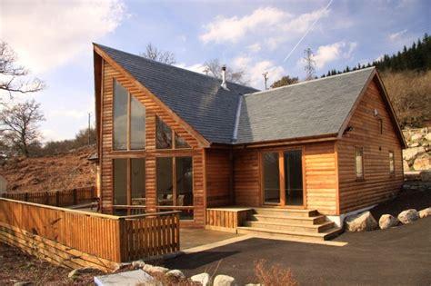 Designer Lodge Near The Shores Of Loch