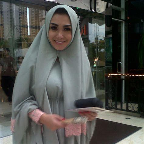 pakai jilbab yuni shara suka  klasik kapanlagicom