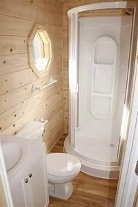 Aménager Une Petite Salle De Bain : comment am nager une salle de bain 4m2 ~ Melissatoandfro.com Idées de Décoration