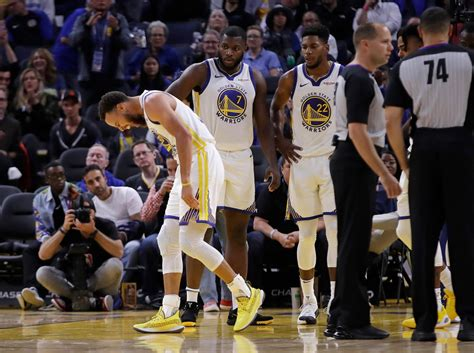 Steph Curry undergoes hand surgery, to miss at least 3 ...