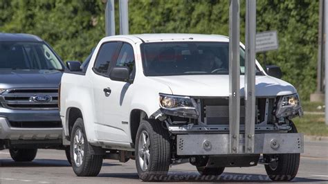 ford bronco spy shots show ford everest suspension