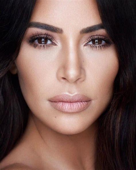 Maquillage pour visage Posts . Facebook