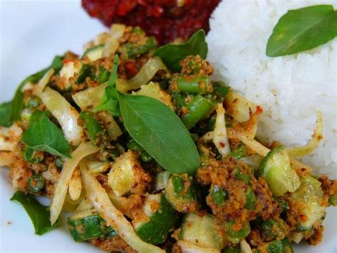 Resep 'sambal ijo kencur' paling teruji. Resep Karedok Khas Sunda - Dunia Kuliner Nusantara