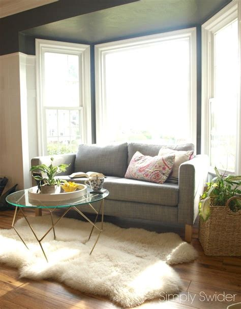 Living Room Window Nook by Turn A Bay Window Into A Reading Nook Livingrooms In