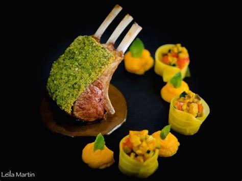 cuisiner un carré d agneau carré d agneau en croûte d herbes et saveurs orientales