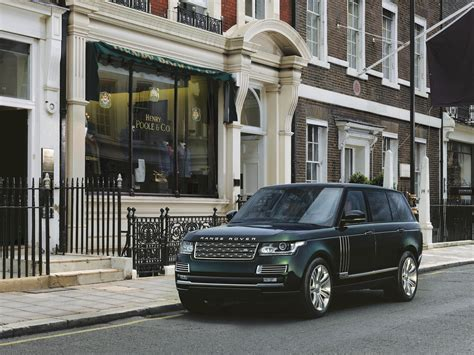 Range Rover Ultraluxury Model Will Purportedly Debut At