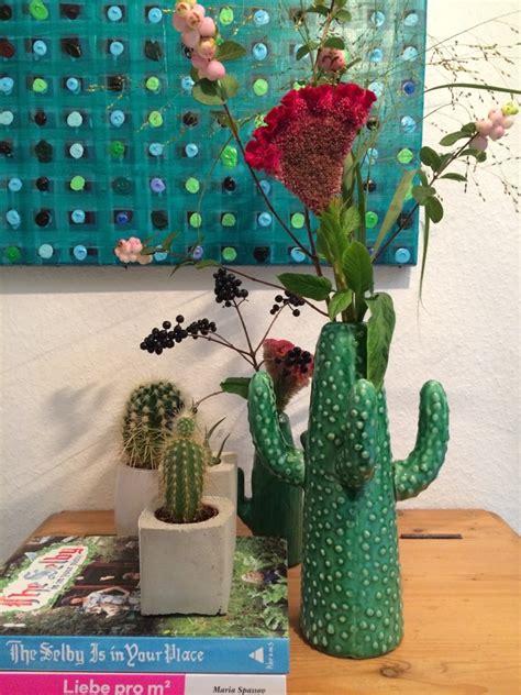 kaktus mit blüten dekorieren mit kakteen und blumen hello mime