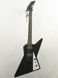 Effin Guitars model Effin Pointy/BK Black Electric Guitar ...