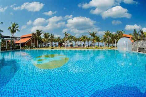 Famiana Resort & Spa Bewertungen, Fotos & Preisvergleich. IStay River City. Holiday Inn Qingdao Parkview. Talgo Apartments. Makedonia Palace. Aegean View Hotel. Cambon Hotel. Husa Pyramids Hotel. Hotel Estilo MB
