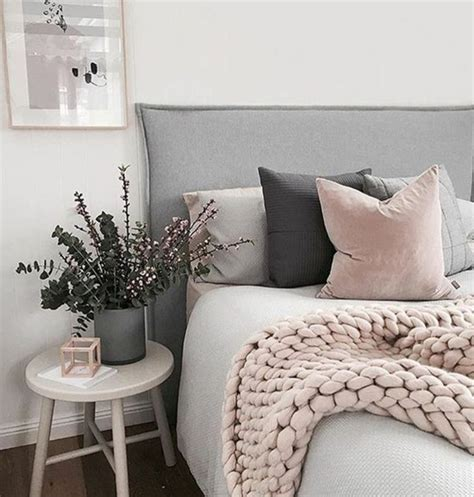 decoration de chambre de nuit 1001 conseils et idées pour une chambre en et gris