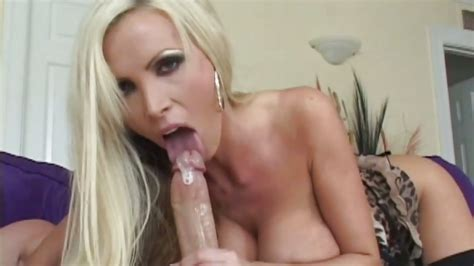 Nikki Benz Lusty Chick Beating Off A Hard Cock 4tube