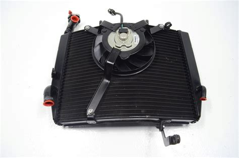 Triumph Daytona 675r 675 R Radiator & Cooling Fan (dents