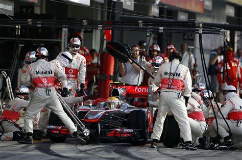 Lewis Hamilton, McLaren, Suzuka, 2010 · F1 Fanatic | Mclaren mercedes, Mclaren, Suzuka