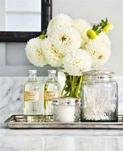 Kleine Weiße Vasen : coole einrichtungsideen f rs kleine badezimmer ~ Michelbontemps.com Haus und Dekorationen