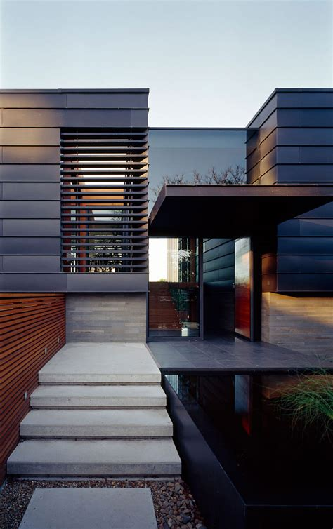 Beautiful Simple Modern House by Stylish Balmoral House Sports Spacious Interiors And A