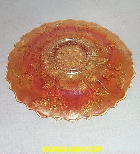 Bargain John's Antiques   Carnival Glass Plate Holly