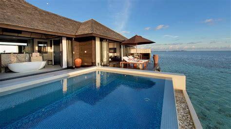 luxurioese wasservillen auf den malediven lily beach