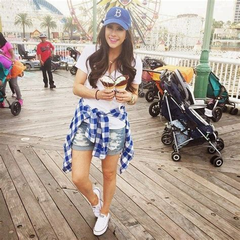 Best 25+ Disneyland outfits ideas on Pinterest | Outfits ...