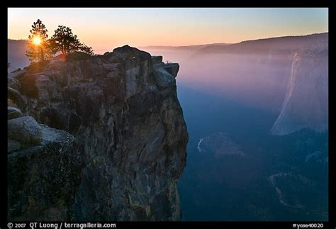 picturephoto sunset  taft point yosemite national park