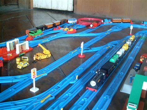 tomy trains  layouts  big    year