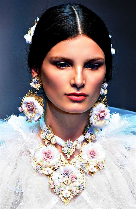 beadialogy dolce  gabbana fall  rtw part jewelry accessories  beauty