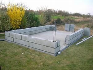 Sur Quoi Poser Un Abri De Jardin : construction de mon abri de jardin d but de pose de parpaing ~ Dailycaller-alerts.com Idées de Décoration