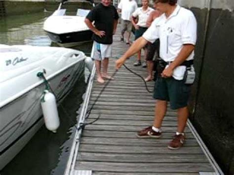 Boat Dock Bumpers Youtube by How To Tie A Boat To A Dock Amazing Wow Youtube
