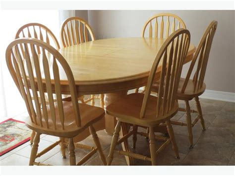 solid maple dining table and 6 swivel chairs orleans ottawa