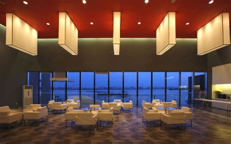 ceiling and lighting design for restaurant