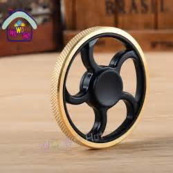 Tri spinner fidget toy