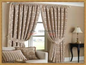classic-curtain-designs-for-living-room Fashion Decor Tips