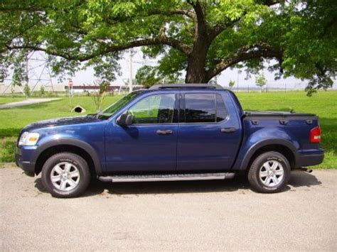 purchase   ford explorer sport trac xlt crew cab