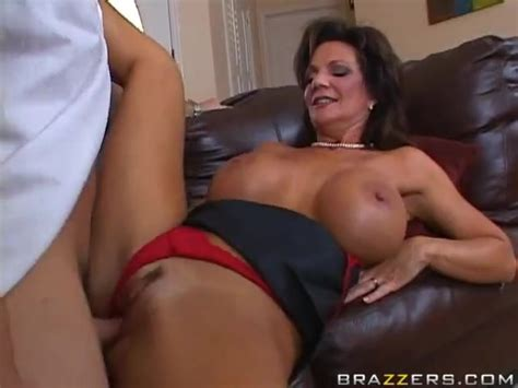 Hot Mom Mrs Deauxma Having Sex With Son S Friend Alotporn