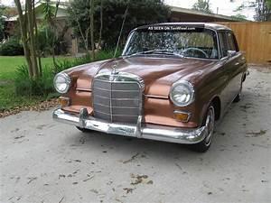 1966 Mercedes Benz 200d Sedan